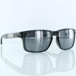 4da4ceba81 Oakley Holbrook Men s Lifestyle Sports Sunglasses Eyewear -