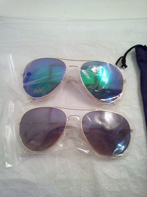 Set of Framed Lenses